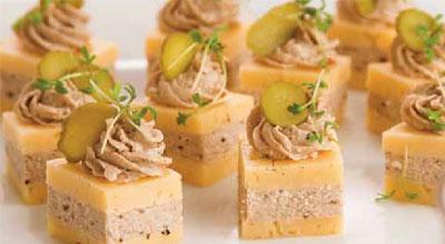 Рецепт Канапе из сыра со шпротами