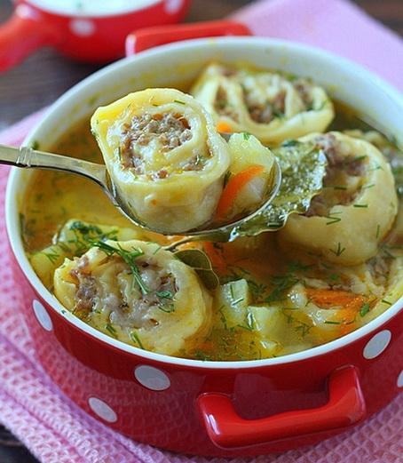 Суп картофельный с ленивыми пельменями