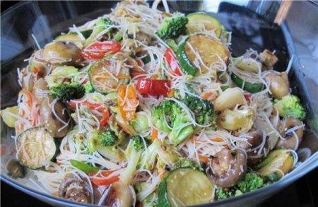Рецепт Вьетнамский салат с рисовой лапшой