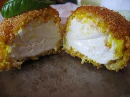 Рецепт Жареное мороженое в панировочных сухарях
