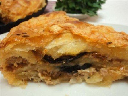 Рецепт Пирог с мясом и баклажаном слоеный