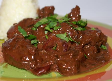 Рецепт Телятина с вишней и розмарином в шоколадном соусе