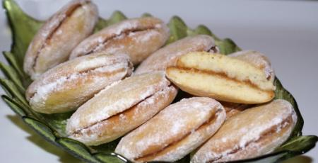 Мягкое бисквитное печенье с джемом