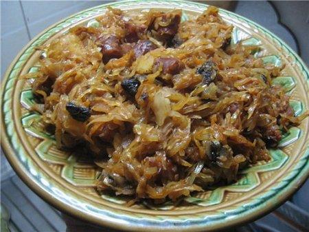 Рецепт Капуста тушеная с мясом и грибами (бигос)
