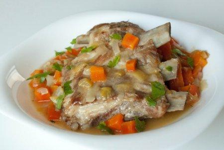 Рецепт Тушеные свиные ребрышки
