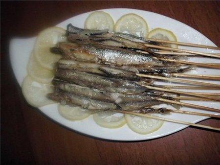 Рецепт Мойва жареная на шпажках