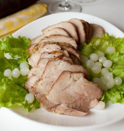 Рецепт Свинина запеченная с луком, чесноком и травами