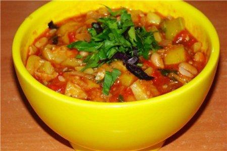 Рецепт Кабачок с фасолью и томатами