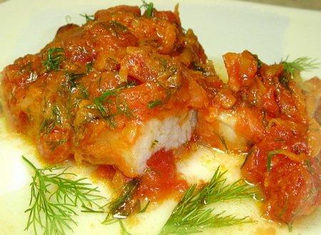 Рецепт Рыба тушеная с помидорами