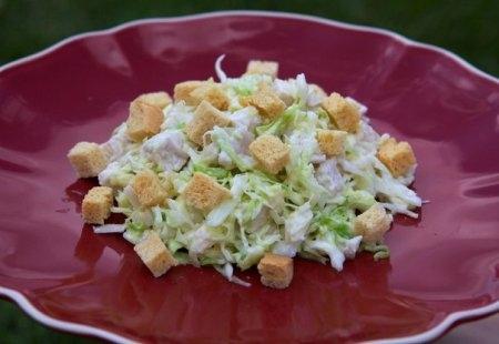 Рецепт Салат из свежей капусты с курицей