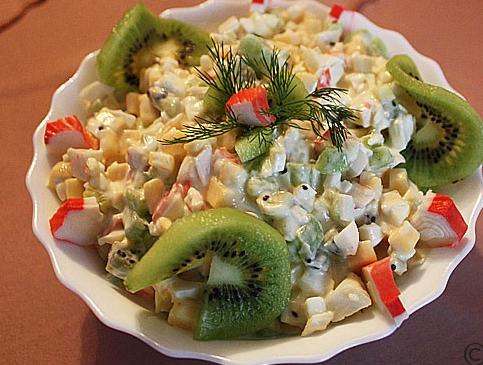 рецепты салатов с креветками и киви