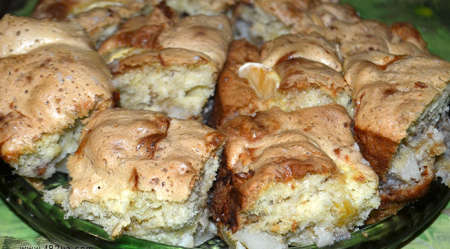 Рецепт Шарлотка с мандаринами и орехами