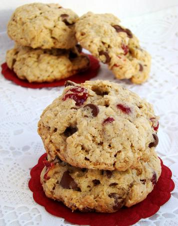 Рецепт Овсяное печенье с вишней и шоколадом