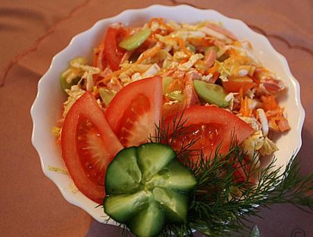 Рецепт Салат из помидоров, огурца и пекинской капусты