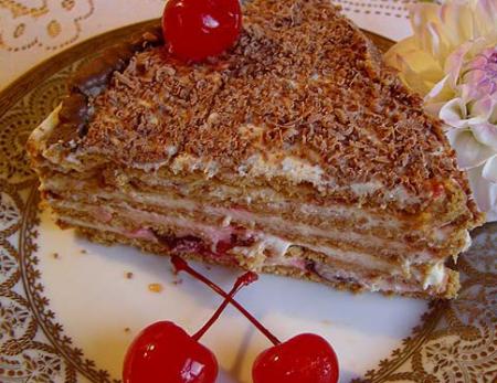 Рецепт Торт «Медовик со свежей вишней»