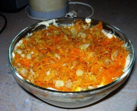 Салат обжорка рецепт с с печенью слоями