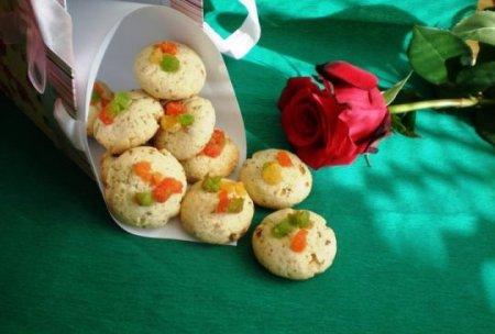 Постное печенье с цукатами и орехами