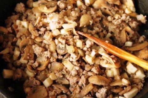 фаршированные баклажаны с сыром и грибами