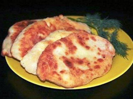 Пирожки-лепешки с картошкой и сыром