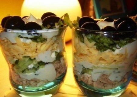 Воздушный» салат-коктейль с курицей