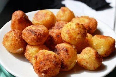 Картофельные шарики из вчерашнего пюре