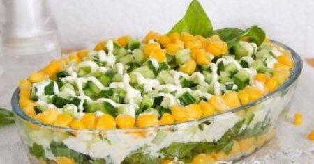 Салат с кукурузой и щавелем.
