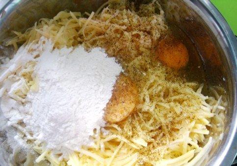 Картофельная запеканка на терке