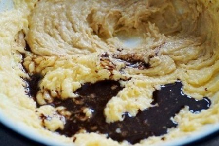 Кофейный кекс с вишней