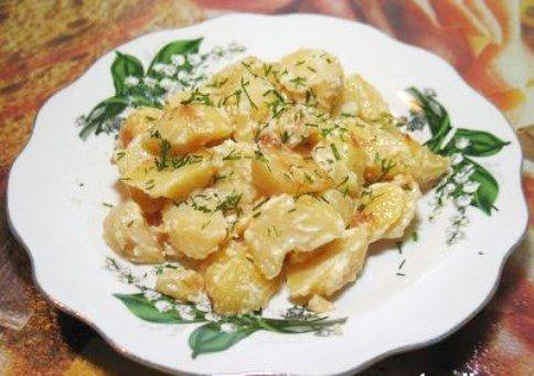 Жареная картошка в сметане на сковороде с пошагово
