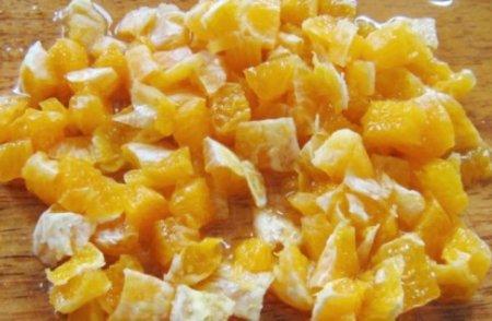 Крабовый салат с апельсинами