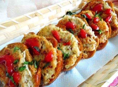Горячие бутерброды с картофелем и фаршем