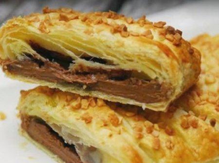Слоенный пирог с шоколадом.