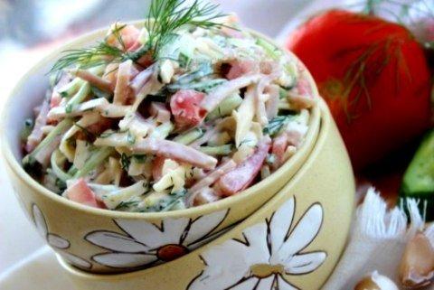 ветчина сыр сухарики салат
