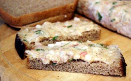 Бутербродная намазка из сала с чесноком