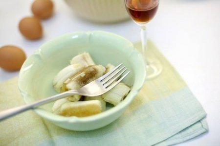 Банановый кекс со сметаной, корицей и ромом