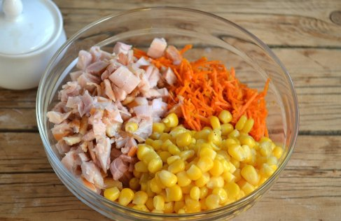 салат из копченой курицы и корейской морковки