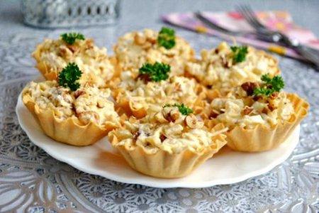 салат дамский каприз с ананасом и грибами рецепт
