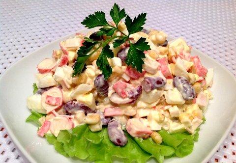 салат из крабовых палочек с фасолью рецепт