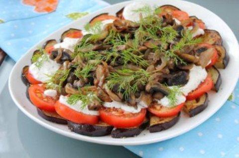 Рецепты салатов из баклажан на стол