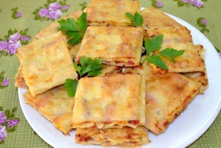 Жареный лаваш с колбасой и сыром
