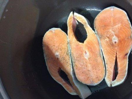 Как сделать стейк из кеты в мультиварке