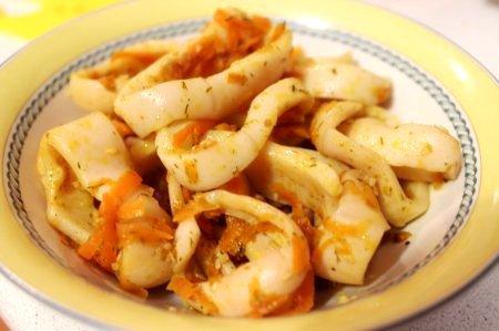 Острый салат из кальмаров