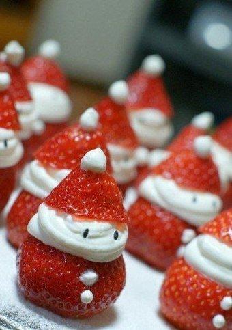 Десерт «Нашествие клубничных Снеговиков»