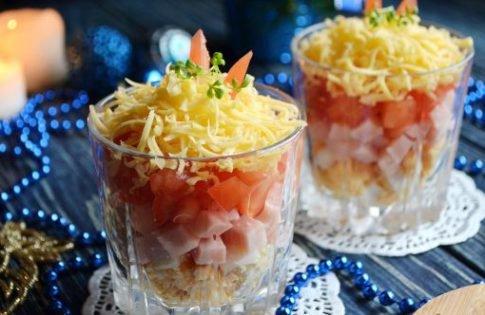 Новогодний салат в стакане