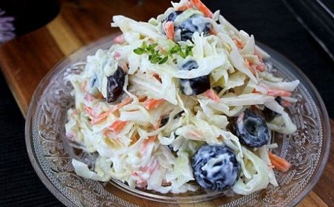 Салат из капусты и винограда ♨