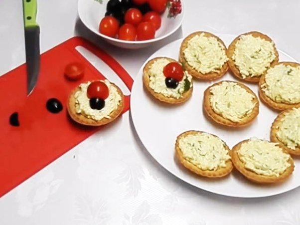 Закуска с сыром «Божьи коровки» в тарталетках ♨