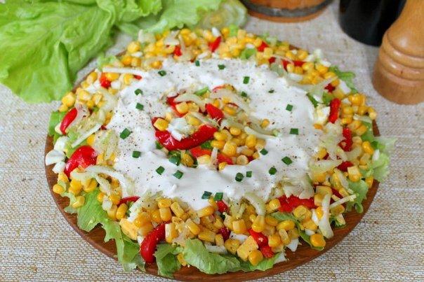 Салат с кукурузой, болгарским перцем и сельдереем»>
